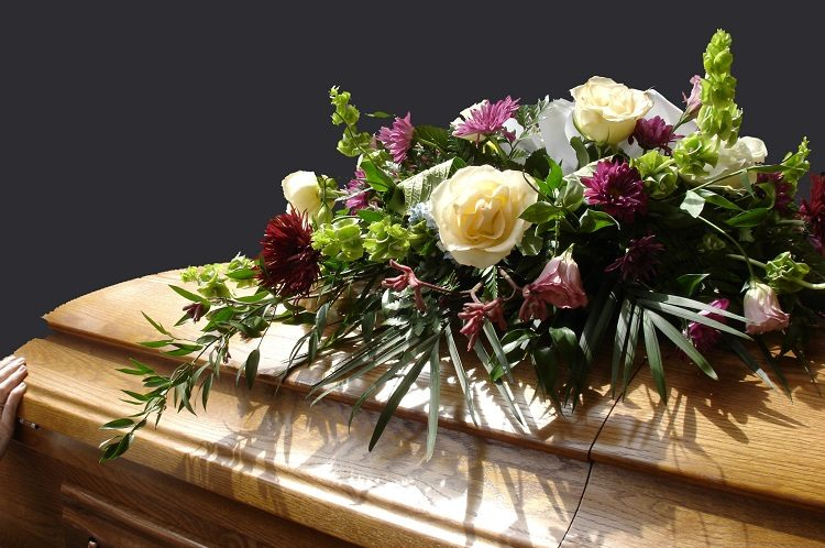 How Experienced and Compassionate Funeral Directors Can Help Plan a Funeral